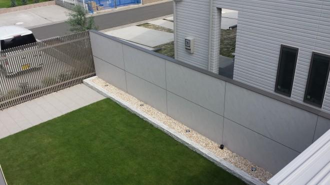 LIXIL デザインウォールでプライベートガーデンを楽しむ へーベルハウス 久喜市西大輪