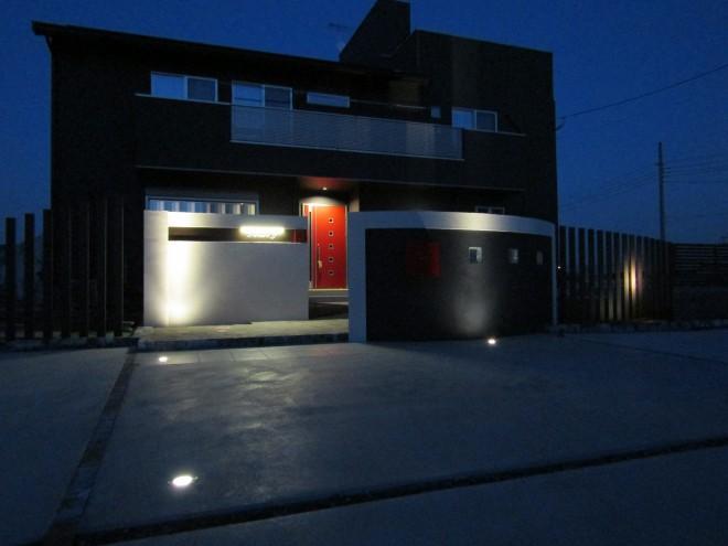 LEDライトでモダンな表情を魅せる 桧家住宅 埼玉県白岡市