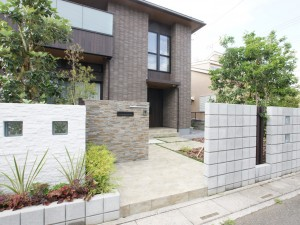 上尾市 外構工事 施工例 ソルディーポート