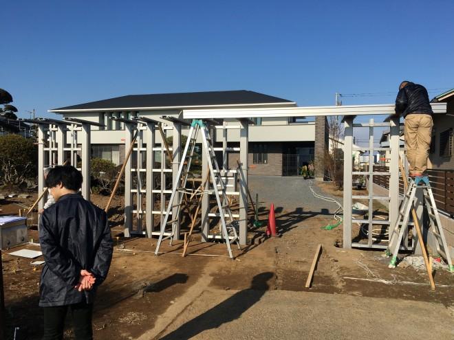 埼玉県加須市 YKK エクスティアラ カジュアル 天井材 ショコラウォールナット