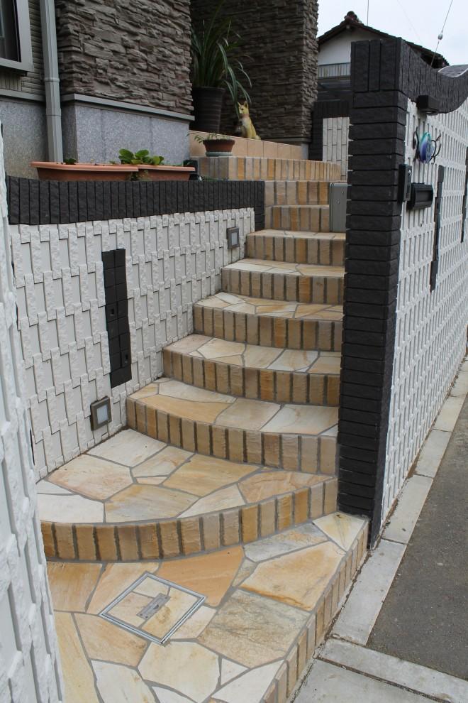 モダン外構にセルバストーン階段