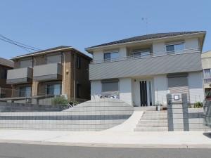 埼玉県伊奈町 高低差を克服したオープン外構 マチダコーポレーション アイロック