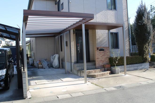 Gルーフ カールーフタイプでおしゃれで一体感のあるカースペースにガーデンリフォーム 埼玉県鶴ヶ島市