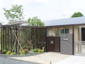 埼玉県さいたま市 LIXIL プラスG 外構施工例|大興