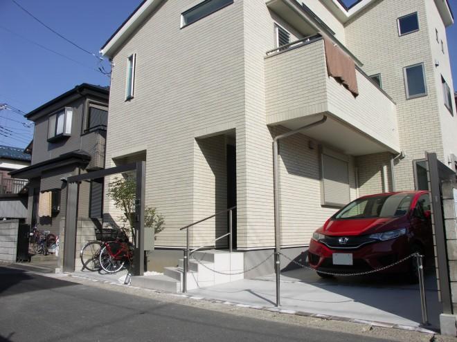 都市型住宅の敷地を生かしたプラスGのオープン外構施工例 シマトネリコ 三井ホーム 草加市