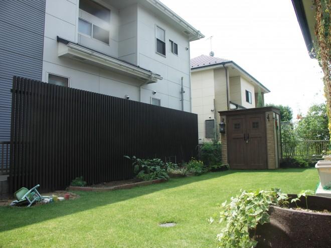 ディーズガーデン カンナ物置のあるお庭 埼玉県久喜市