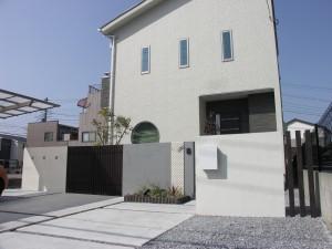 建物との一体化を図ったシンプルモダンのエクステリア セナリオハウス 埼玉県草加市
