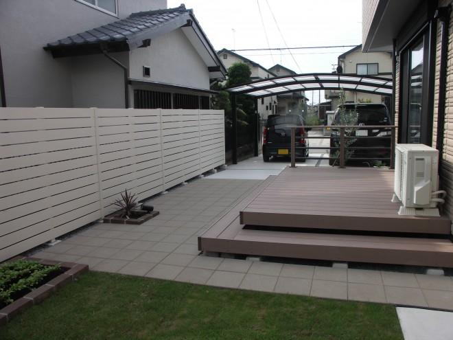 ディーズガーデン アルファウッドフェンスで清潔感のあるガーデンに 埼玉県加須市
