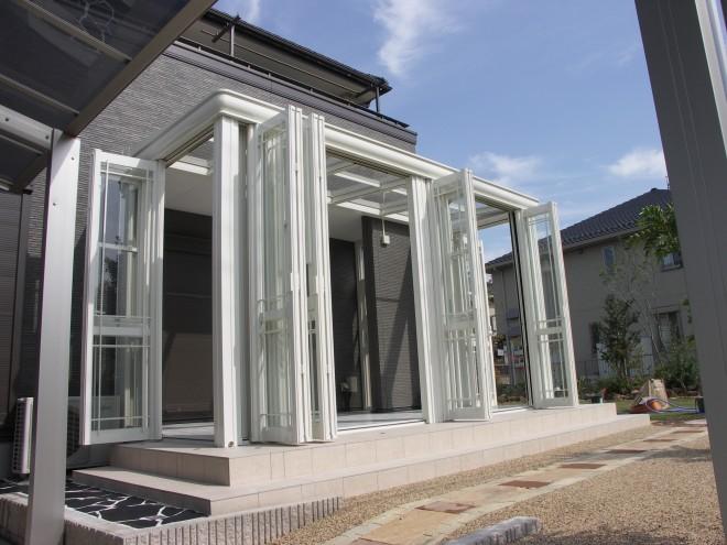 リクシル ガーデンルーム暖蘭物語で優雅な庭空間にガーデンリフォーム 上尾市 アイダ設計